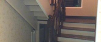 Фото деревянная П-образная лестница 180 градусов