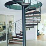 Металлическая винтовая (спиральная) лестница из профильной трубы
